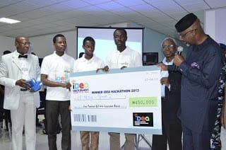 IDEA Hackathon 2013 Winners Le-Media Team TwoReceiving their Cheque