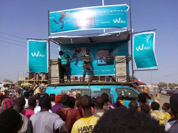 Wiko Mobile Campaign Stage with Dancers