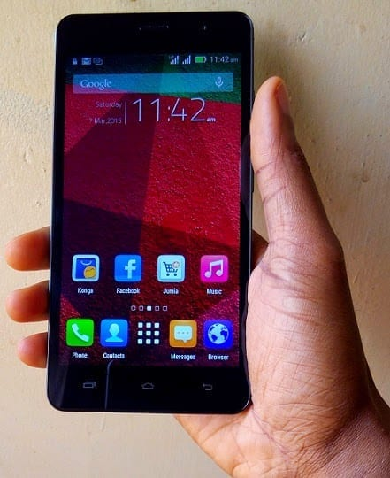 Infinix Hot Note on and in hand