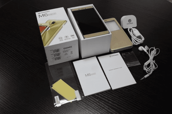 Gionee M6 with included Accessories