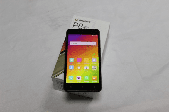 Gionee P8w on Box