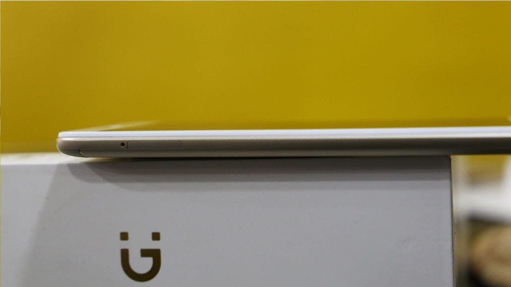Gionee A1 Lite left side showing the SIM tray