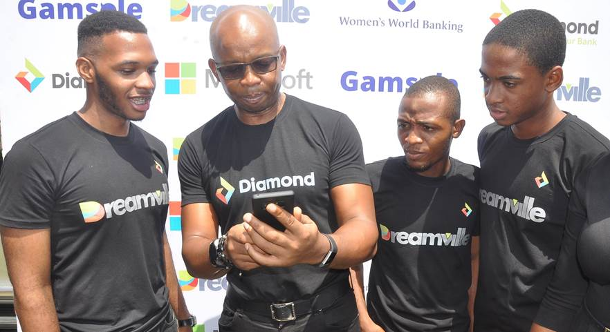 Uzoma, CEO, Diamond Bank Plc and some Cool Teens at the Launch of Dreamville (An  Educational and Gamification platform designed for youths) held in Lagos recently