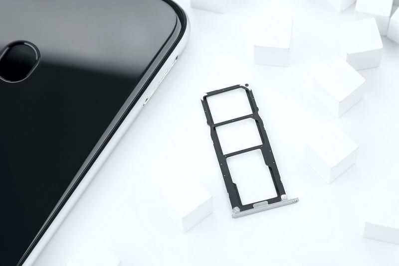 Umidigi A3 SIM and memory card tray