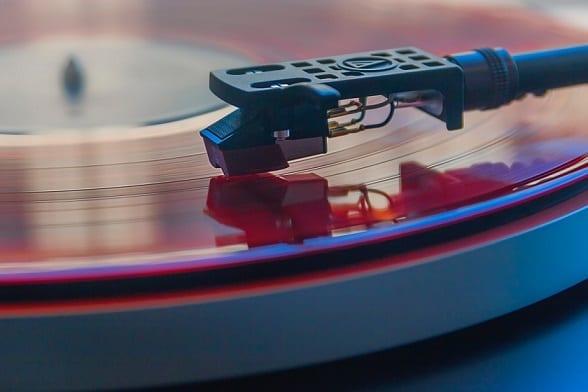10 Reasons to consider Vinyl Music Listening