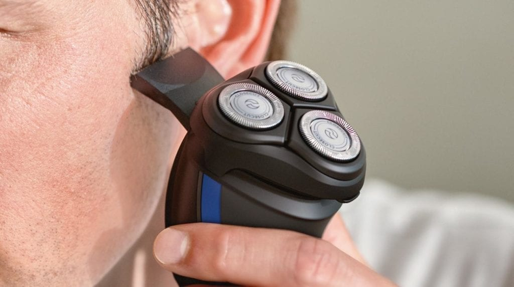 Using Philips Norelco Shaver 2100 S1560/81