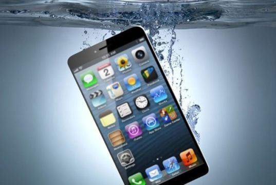 What To Do After Your Smartphone Falls In The Water